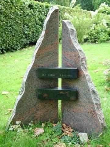 Staande grafsteen ruw