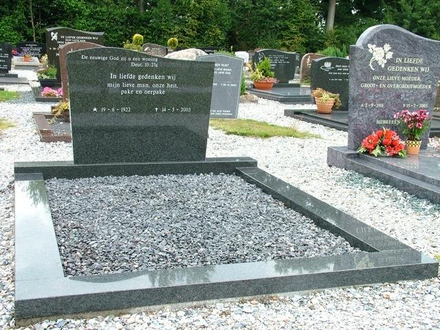Dubbele grafsteen grijs met grind