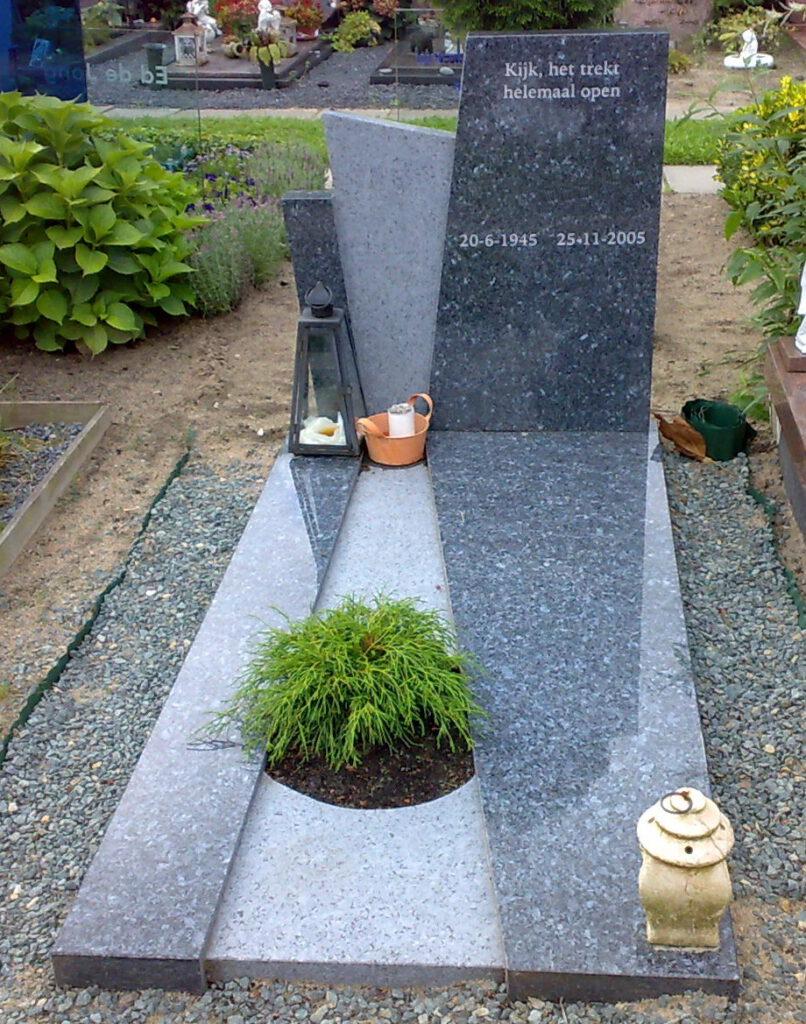 Grafsteen gepolijst en ruw met plantenvak